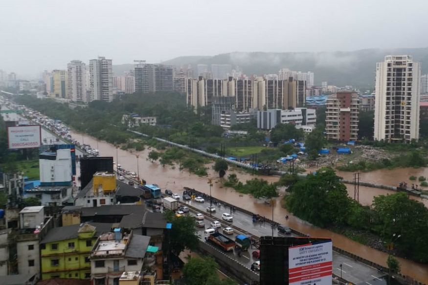 Mumbai Rains: 11 Flights Cancelled, 3 Diverted; IMD Predicts Very Heavy Downpour in 24 Hours